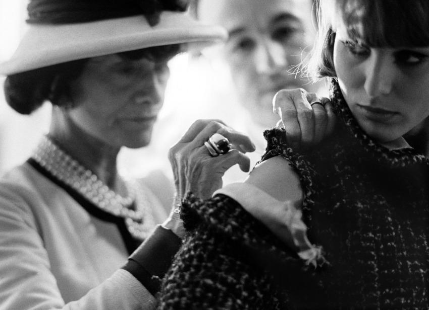 Chanel Working Hands Roll - Douglas Kirkland